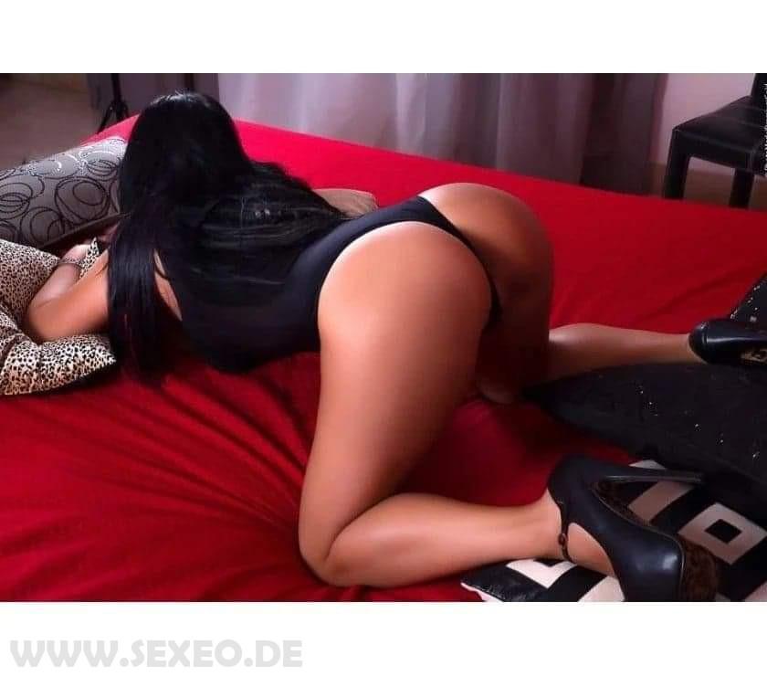Melissa-BOOTY_160794370393